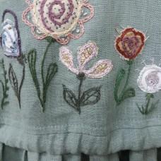 Ручная вышивка выполнена на изделиях наших клиентов.
